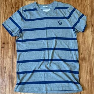 Abercrombie & Fitch Striped V-neck